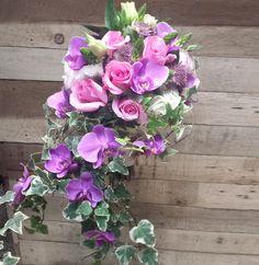 TUNDRA - Diana. Bouquets. ramo de novia. casacada. orchid. phalaenopsis. hiedra. wedding.