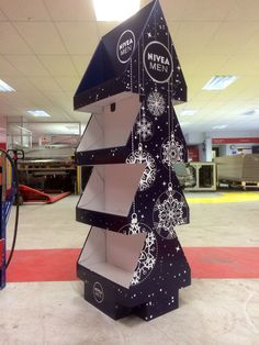 3D Cardboard Design - Nivea Christmas Tree FSDU - Made By Superior - In-Store Display - POS Design - Temporary POS - Cardboard POS: