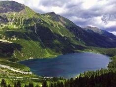 Morskie Oko. Widok z Czarnego Stawu. TATRA Mountains, Poland BLONDEONHOLIDAYS.COM