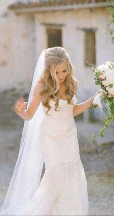 25 Elegant Half Updo Wedding Hairstyles: #13.