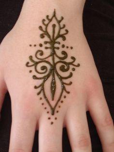 easy beginner henna tattoos | Mehndi Designs for hands: Popular henna designs