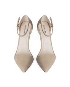 POINTED ANKLE STRAP FLATS