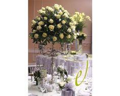 Candelabros y rosas en Don Eventos