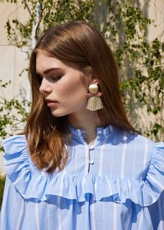 Boucles d'oreilles pendantes pompons | MANGO