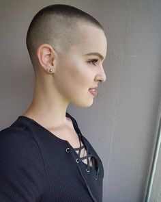 She just had all her long lovely silken locks barbered off embarrassingly short. Shaved Hair Women, Shaved Hair Cuts, Shaved Head, Super Short Hair, Short Hair Cuts, Short Hair Styles, Flat Top Haircut, Crop Haircut, Buzz Cut Women
