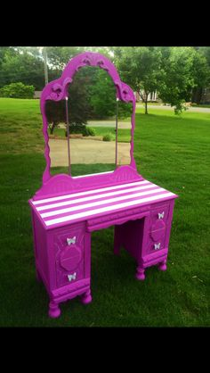 Painted vanity in Maison Blanche chalk paint, Orchid by Karla Jones of Hart and Soul Designs.