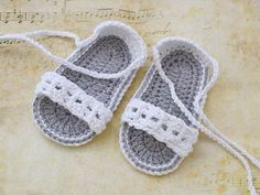 White Baby Crochet Sandals Baby Shoes Baby Sandals por TinySmiley: