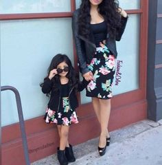Mother Daughter Matching Outfits family and friends this mother dresses her daughter to Mother Daughter Matching Outfits. Here is Mother Daughter Matching Outfits for you. Baby Outfits, Mommy And Me Outfits, Kids Outfits, Mommy And Me Dresses, Mother Daughter Matching Outfits, Mother Daughter Fashion, Matching Family Outfits, Mother Daughters, Mother Daughter Pictures