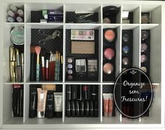 Transformação e organização da minha gaveta de maquiagem, óculos e acessórios - http://www.decoracaodecoracao.com/transformacao-e-organizacao-da-minha-gaveta-de-maquiagem-oculos-e-acessorios #decoração - #arquitetura - #paisagismo