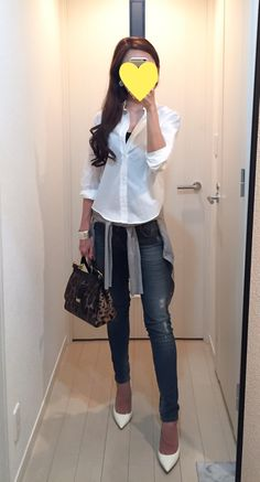 White Shirt: martinique, Skinny: Sisley, Cardigan: ZARA, Bag: Dolce&Gabbana, Heels: Jimmy Choo