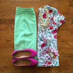 Down east basics mint pencil skirt, floral tee, pink flats, pearl necklace Work Fashion, Modest Fashion, Fashion Jewelry, Spring Summer Fashion, Spring Outfits, Moda Xl, Mint Skirt, Professional Outfits, Passion For Fashion