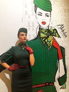 The Italian style flies high. Airline Attendant, Flight Attendant Life, Alitalia Airlines, Airline Cabin Crew, Airline Uniforms, Female Pilot, Gentleman Style, Female Images, Italian Style