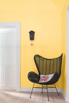 Changing color effects in rooms through light: Alpina Color & Furnishing - My CMS Best Interior Design, Interior Design Living Room, Yellow Walls, Color Effect, Bedroom Loft, Indoor, Chair, Furniture, Home Decor