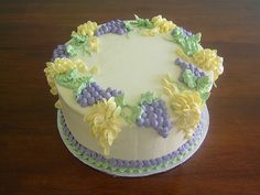 Flower cake with grapes