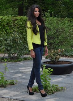 Do you know how long i've been looking for a neon yellow blazer?!