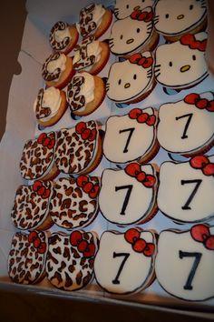 Hello kitty cupcakes cheetah print  www.leilahscupcake.blogspot.com