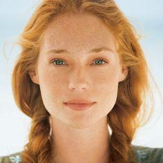 She is soooo beautifuul T_T