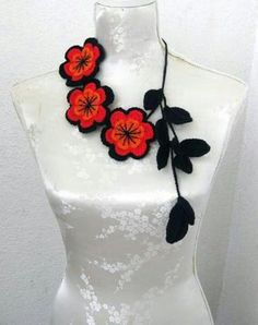 Crochet Jewelry You are in the right place about crochet accessories fun Here we offer you the most beautiful pictures about the crochet accessories leg. Flower Necklace, Crochet Necklace, Crochet Jewellery, Scarf Necklace, Orange Necklace, Necklace Ideas, Crochet Crafts, Crochet Projects, Irish Crochet