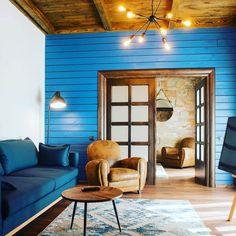 Pare Austria? E chiar la noi! Descoperă cabana de poveste, unde te vei simți ca în rai Jacuzzi, Rafting, Austria, Divider, Room, Furniture, Home Decor, Cabin, Bedroom