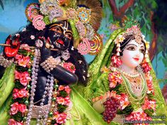 http://harekrishnawallpapers.com/sri-sri-radha-madhava-close-up-iskcon-philippines-wallpaper-001/