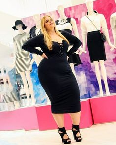 Looking for Spring Style Inspiration? Our Latest TCFStyle Roundup! http://thecurvyfashionista.com/2017/03/tcfstyle-plus-size-style-inspiration/  <3 <3 Caterina Moda  This weather is all over the place, but one thing is for sure, we are ready for spring! We have rounded up a few fly plus size looks from our #TCFStyle Hashtag to bring you plus size style inspiration!