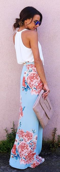 White top + Blue maxi skirt with floral pattern – Casual Dress Outfits White Maxi Skirts, Maxi Skirt Outfits, Casual Dress Outfits, Cute Outfits, Maxi Skirt Outfit Summer, Blue Floral Maxi Dress, Floral Outfits, Maxi Skirt Style, Blue Maxi