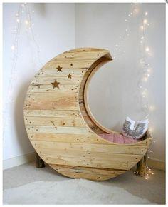 cuna, en forma de luna