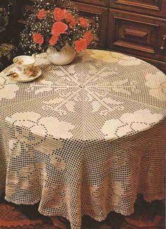 Mantel a Crochet Tablecloth Curtains, Crochet Curtains, Crochet Tablecloth, Tablecloths, Filet Crochet Charts, Crochet Motif, Crochet Doilies, Crotchet Patterns, Baby Knitting Patterns