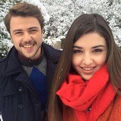 Hande Erçel (Selin) ve Tolga (Ali) Murat And Hayat Pics, Bae, Cute Love Couple, Hande Ercel, Turkish Beauty, Turkish Actors, Beautiful Celebrities, Cute Couples, Couple Goals