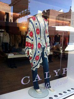 Crochet Patterns Coat Crocheted Coat from Calypso -- beautiful! Crochet Jacket, Crochet Cardigan, Crochet Shawl, Cardigan Pattern, Mode Crochet, Diy Crochet, Hand Crochet, Coat Patterns, Clothing Patterns