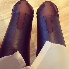 Cutout, leather pants.