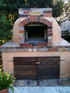 Brick oven with a stucco/brick blend