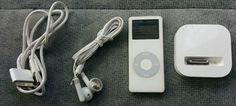 DISCONTINUED Apple iPod Nano 1st GEN White 2GB Earphones, Charging DOCK Bundle
