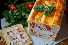 V mé nedávné recenzi na knihu Francouzská venkovská kuchyně od Mimi Thorisson se zmiňuji o chlebíčku (Mimi ho má v knize jako kuřecí paštiku, já si ale pod pojmem paštika představím něco zcela jiné… Pie, Food, Torte, Cake, Fruit Cakes, Essen, Pies, Meals, Yemek