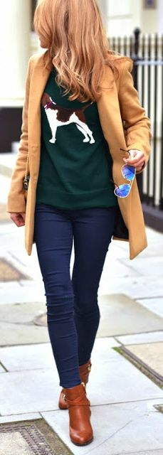 Best street style ideas, amazing black turtleneck, camel coat, denim jeans and boots. Fall Winter Outfits, Autumn Winter Fashion, Autumn Style, Mode Bcbg, Mantel Beige, Look 2015, Outfits Mujer, Moda Casual, Casual Chic