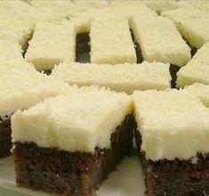 Isteni kókuszos süti 10 perc munkával - Blikk Rúzs Hungarian Desserts, Hungarian Recipes, No Bake Desserts, Dessert Recipes, Sweet Cookies, Yummy Cakes, Coco, Food To Make, Food And Drink