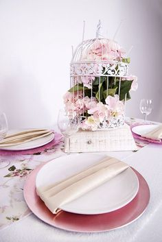 Eye-popping Centerpiece Ideas for Your Spring Wedding-1