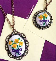 This Pin was discovered by Ani Tiny Cross Stitch, Cross Stitch Bookmarks, Cross Stitch Designs, Cross Stitch Patterns, Silk Ribbon Embroidery, Diy Embroidery, Cross Stitching, Cross Stitch Embroidery, Seed Bead Art