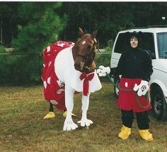Melanie Huey dressed up as Mickey Mouse and her horse, Pondies Sissy Pet, went as Minnie Mouse. Horse Fancy Dress, Horse Halloween Costumes, Christmas Dress Up, Modern Disney, Pet Clothes, Beautiful Horses, Mickey Mouse, Pony, Livestock