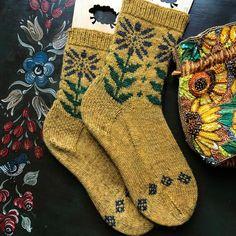 Knitting Socks, Hand Knitting, Knitting Patterns, Crochet Patterns, Halloween Socks, Cute Pattern, Knit Sock Pattern, Different Stitches, Yarn Over