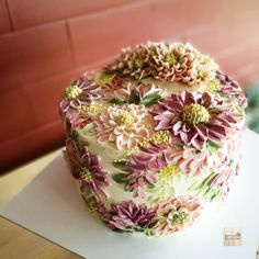 Image may contain: plant and food Korean Buttercream Flower, Buttercream Flower Cake, Cake Icing, Eat Cake, Cupcake Cakes, Cupcakes, Gorgeous Cakes, Pretty Cakes, Amazing Cakes