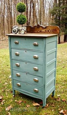 A Modern Update For a Timeless Dresser Custom mix color using Anne Sloan chalk paint in Louis Blue, Antibes Green, Florence,…