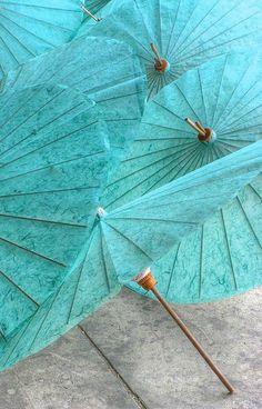 Aqua Parasols - Color Note: Aqua and Gray Tiffany Blue, Verde Tiffany, Azul Tiffany, Shades Of Turquoise, Shades Of Blue, Marie W, Verde Aqua, Blue Beach Wedding, Vert Turquoise