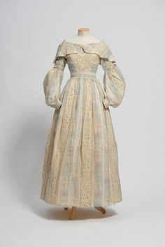 Summer dress, c. 1838, Worthing Museum and Art Gallery Costume Collection