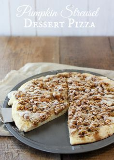 This pumpkin streusel dessert pizza combines delicious streusel-topped pizza with everyone's favorite fall flavor: pumpkin. And it's super easy to make!
