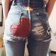 29 Women Jeans Style To Look Cool Jeans Style Diy Jeans, Looks Style, Style Me, Jean Diy, Only Shorts, Diy Vetement, Diy Mode, Mode Jeans, Patchwork Jeans