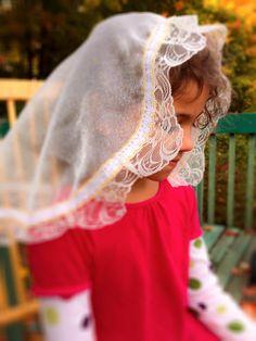 Girls Mantilla Veil, Princess Mantilla Beige, Girls Veils for Mass, Veils for Girls, Church Veil, Short Veil Catholic, Girls Chapel Veils