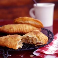 Fried Apple Pies // More Great Fruit Desserts Apple Pie Recipes, Apple Desserts, Cookbook Recipes, Just Desserts, Wine Recipes, Sweet Recipes, Cooking Recipes, Camping Desserts, Delicious Desserts