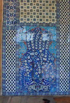 Istanbul: Rüstem Pasha Mosque by zug55, via Flickr