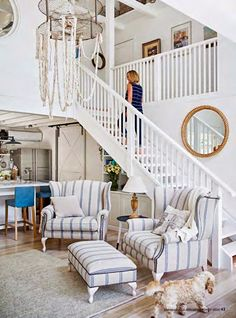 Relaxed Nautical Vintage Style Home of Designer Tara Dennis - Coastal Decor Ideas and Interior Design Inspiration Images Beach Cottage Style, Coastal Cottage, Coastal Homes, Beach House Decor, Coastal Style, Coastal Decor, Home Decor, Modern Coastal, Coastal Rugs